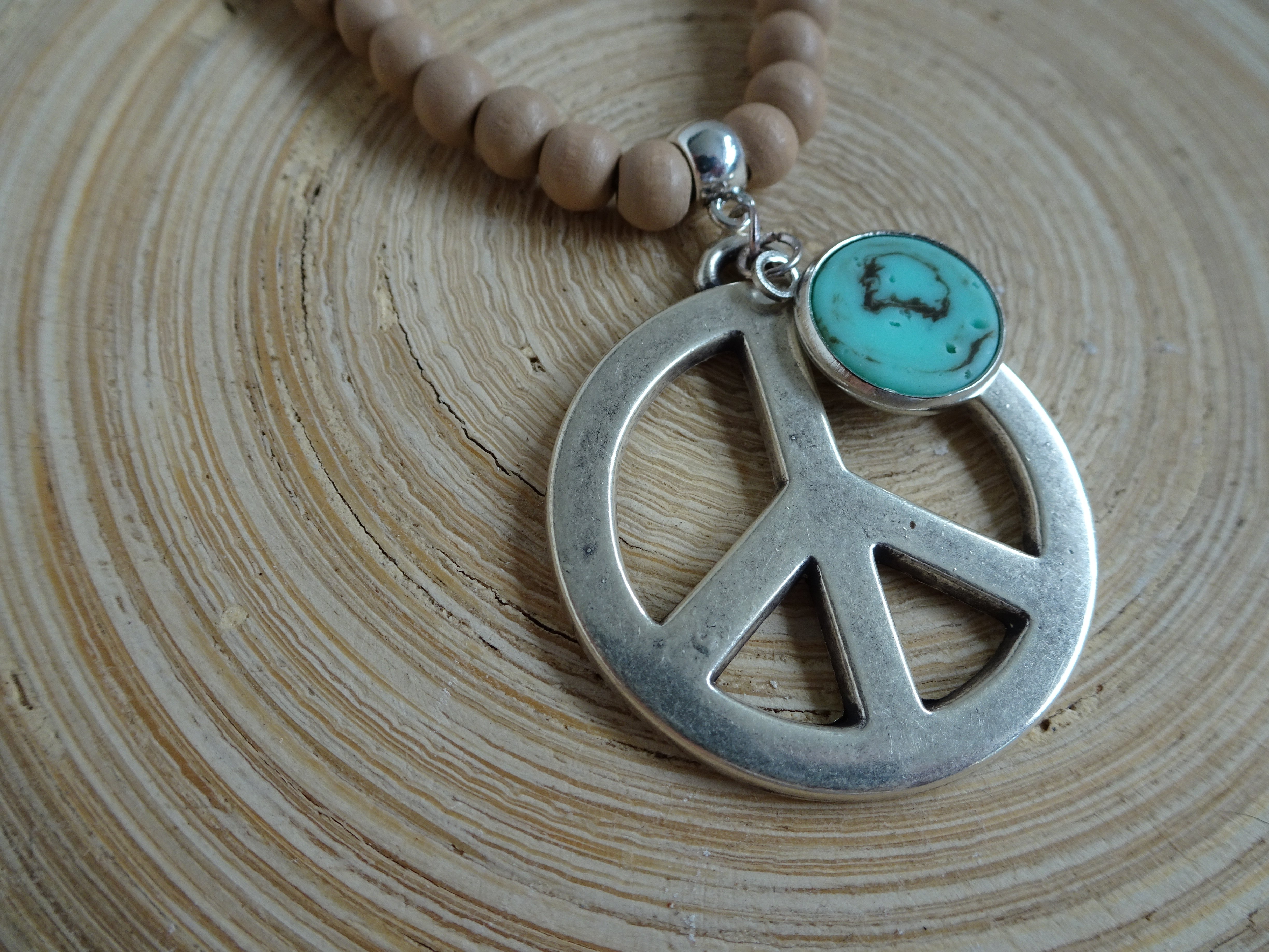 "Stoere ketting ""Peace"" turquoise steentje"